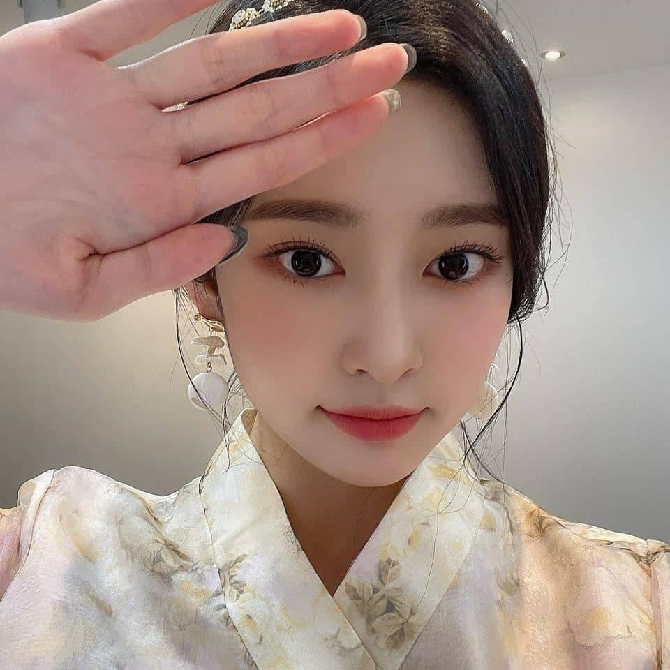 김민주 한복 (9).jpg