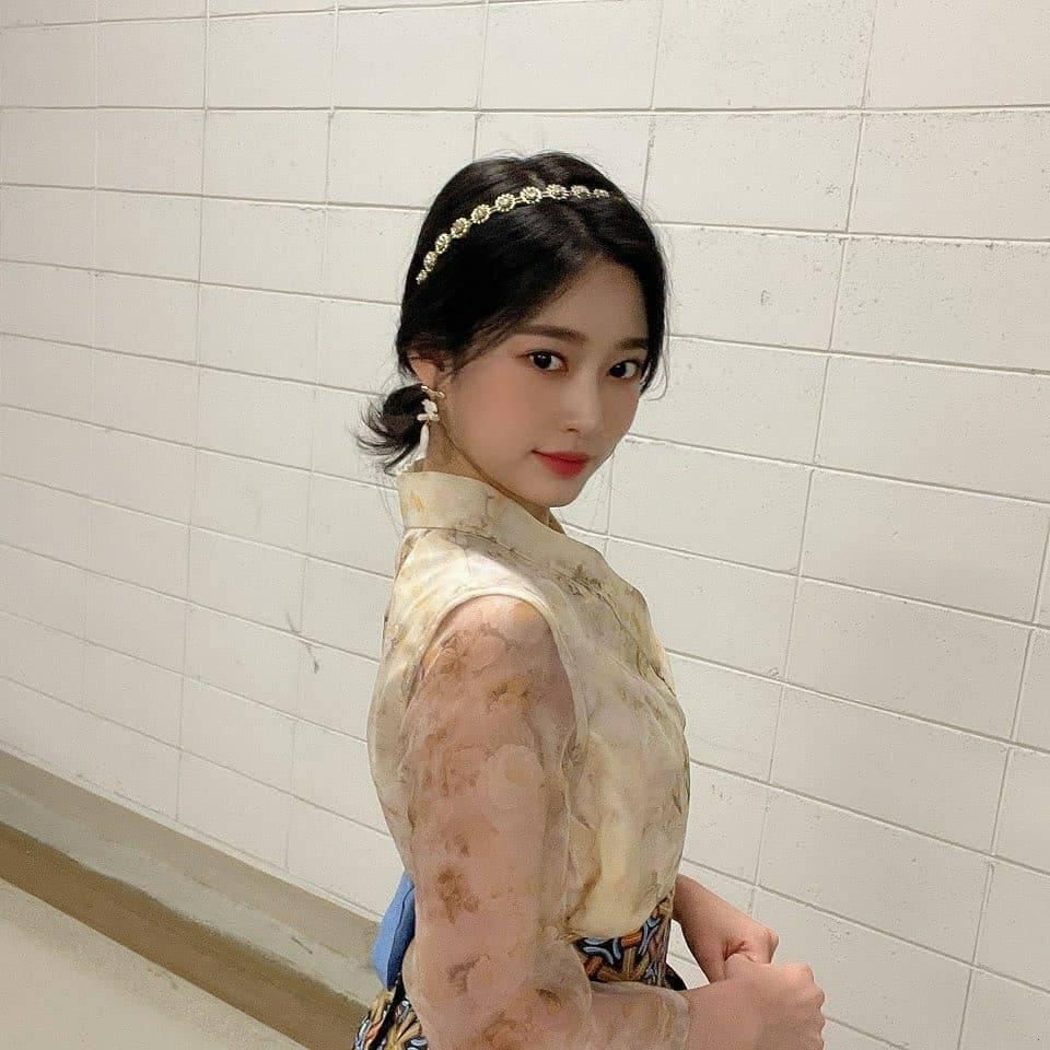 김민주 한복 (6).jpg