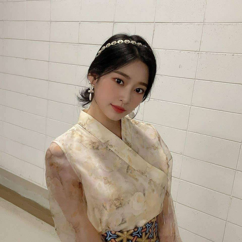 김민주 한복 (5).jpg