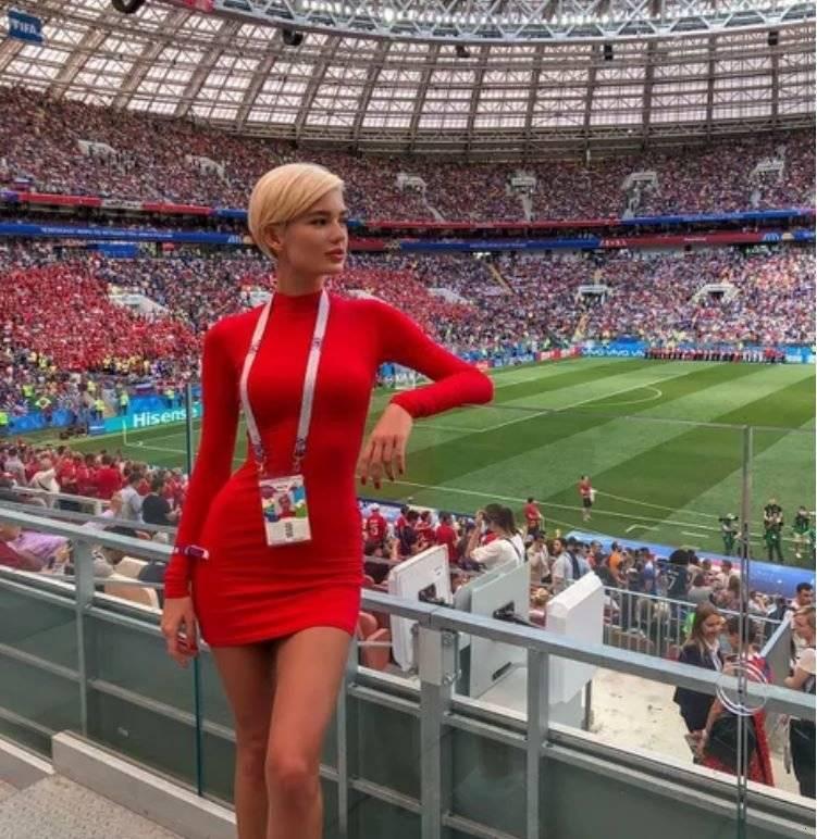 러시아 월드컵 덴마크 기자 몸매.JPG
