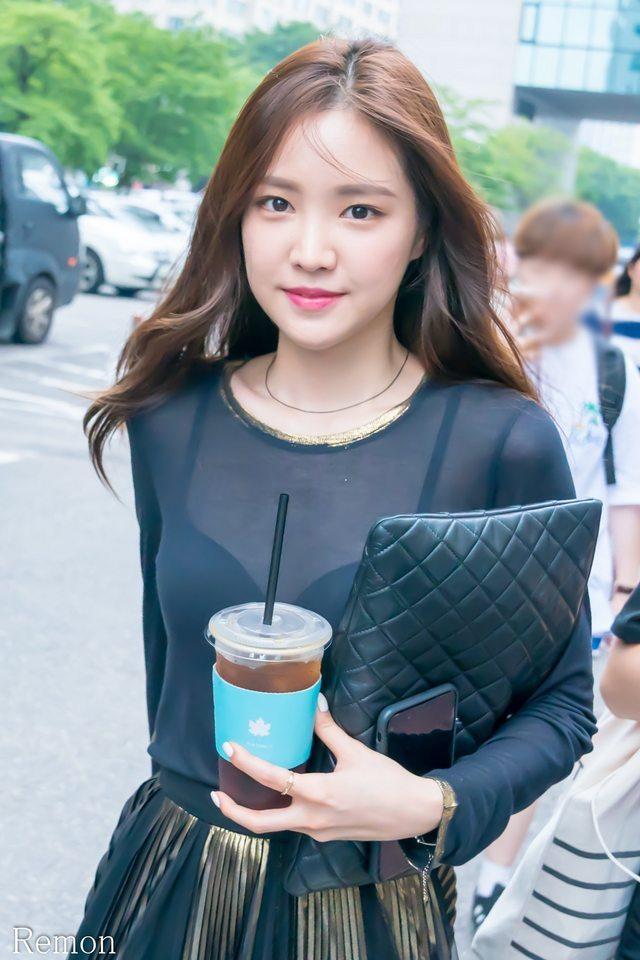 손나은_시스루 (7).jpg